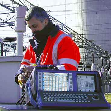 Circuit breaker analyser and test systems